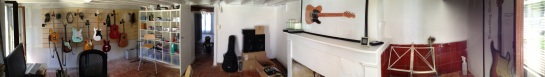 Mon bureau, en panoramique-qui-fout-la-gerbe. C'est pas encore fini, mais ça avance.